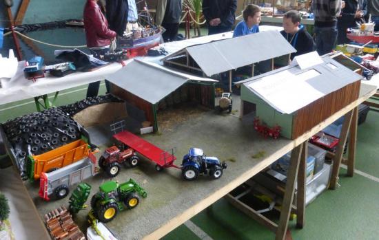 Hangar agricole + machine jeunes du club